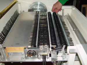 Changing_the_tape_cartidge_on_the_Mellotron